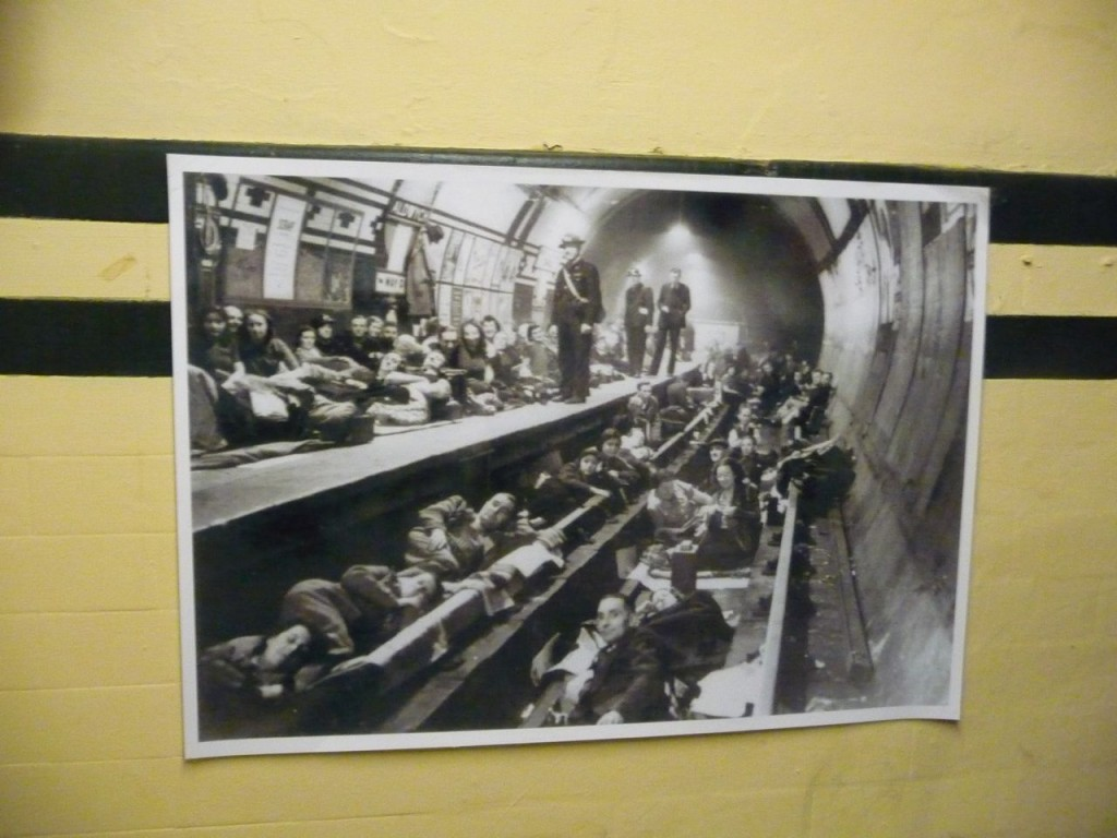 Image of what it was like sleeping in the underground during the blitz in London