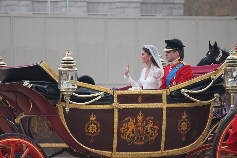 Wills & Kate Royal Wedding Married